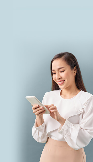 woman engaging in conversational marketing with botco.ai